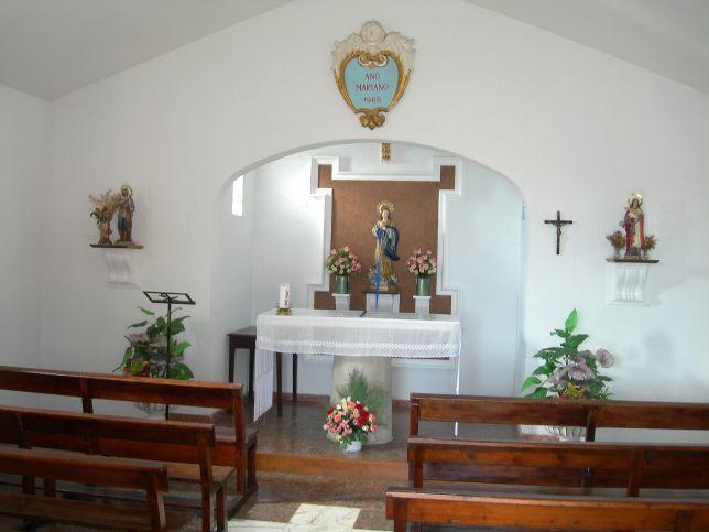 3.4.4._Interior_de_la_ermita_(2).jpg