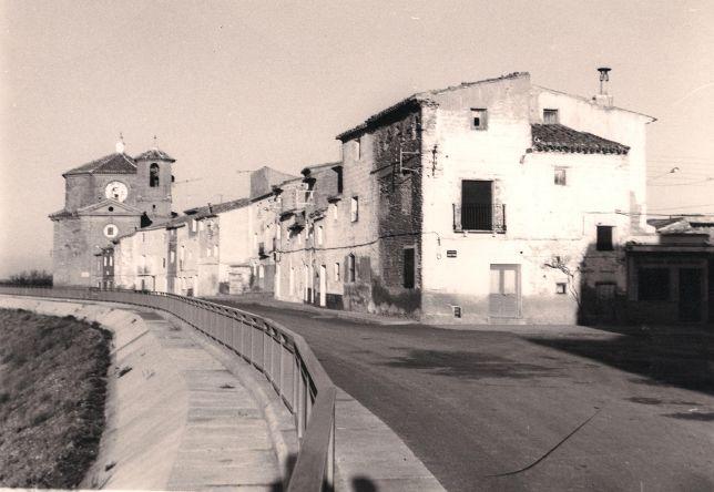 3.8.7._La_Plaza_Mayor_y_El_Muro_recién_terminado.jpg